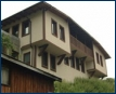 Tomovi House